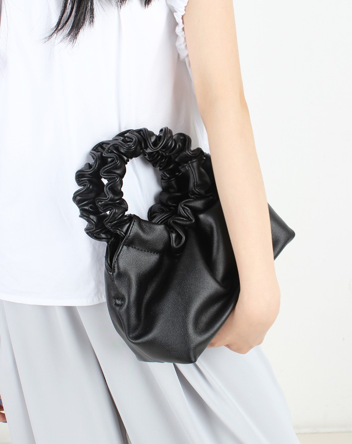 wrinkle open leather bag (black)